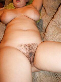 Полноватая грудастая женщина хочет потрахаться послаще - секс порно фото