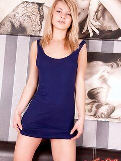 Сексапильная блондинка - фото голой красотки.