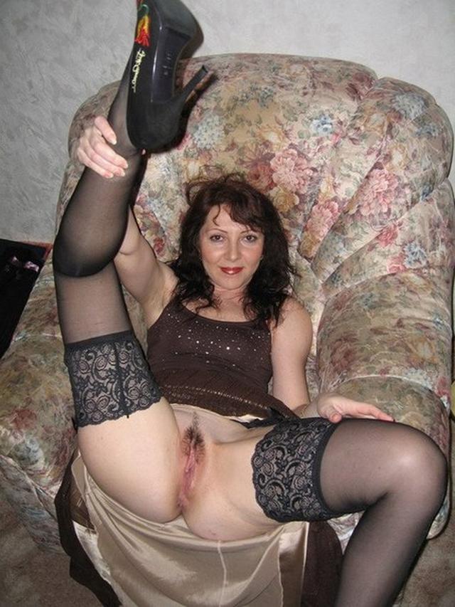 Девушки и женщины ищут себе клиентов и находят их - секс порно фото