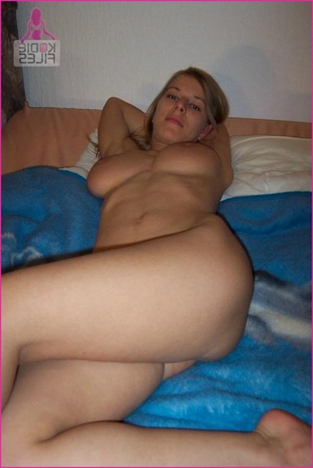 Подружки могут делать минет и очень сильно удивлять - секс порно фото