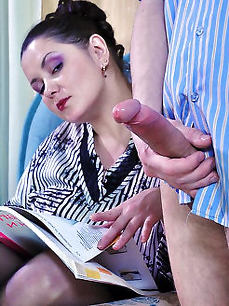Парни трахаются со зрелыми женщинами - секс порно фото