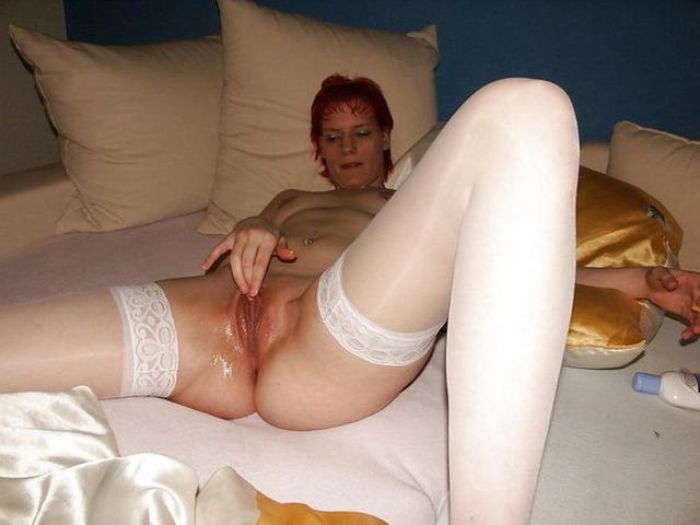 Зрелые женщины показывают неудовлетворенные киски - секс порно фото