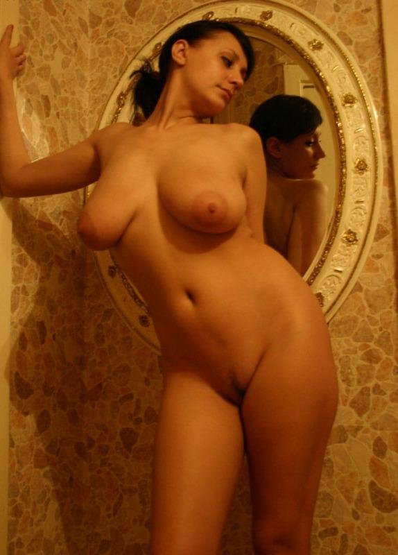 Кокетка Кристина любит внимание мужчин - секс порно фото