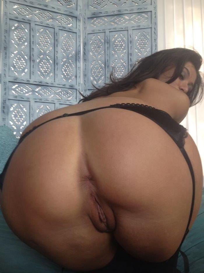 Красивые подружки показывают свои обнаженные тела - секс порно фото