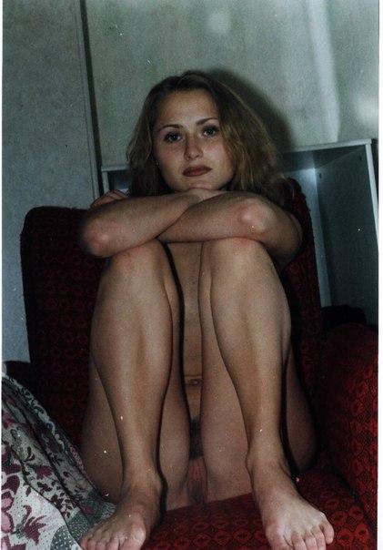 Одинокие барышни позируют для частных ретро коллекций - секс порно фото