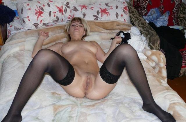 Девушки и женщины позируют перед горячим сексом - секс порно фото