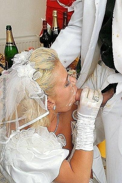 Сексуальные невесты сосут члены и позируют в свадебных платьях - секс порно фото