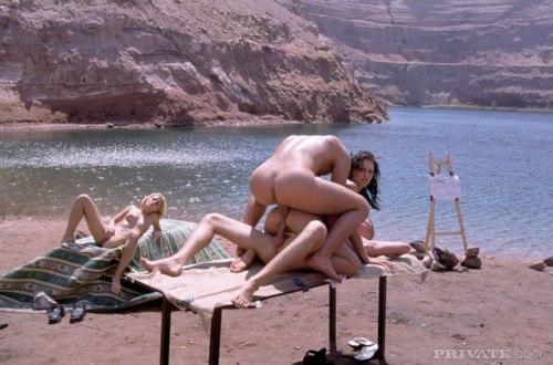Горячие особы прекрасного пола с большими запросами - секс порно фото