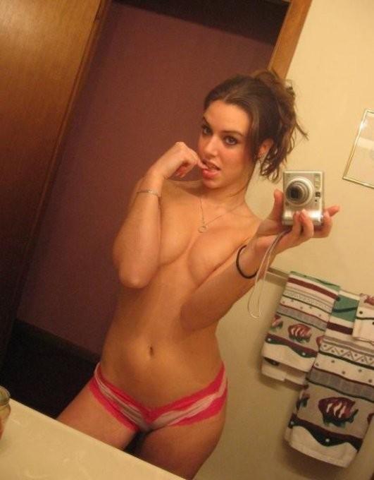 Красивые чики с большими буферами славно позируют сами - секс порно фото
