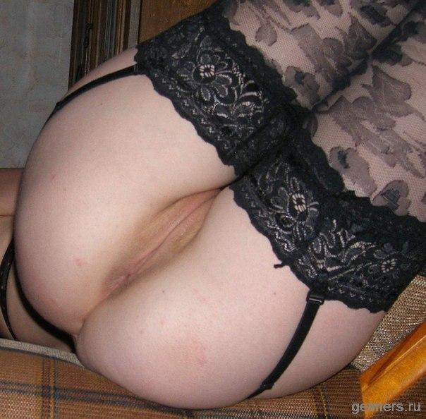 Парни трахают подружек большими членами - секс порно фото