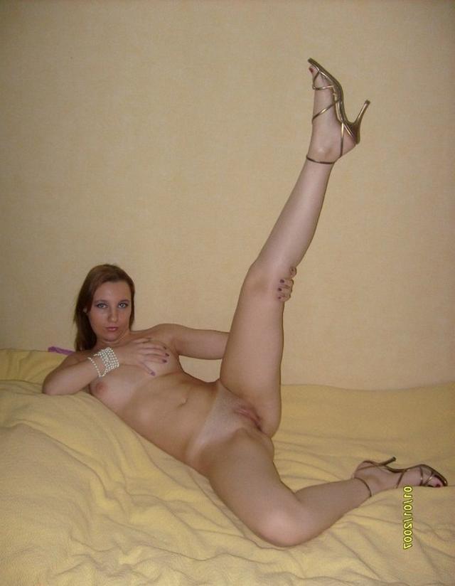 Зрелки хвастаются своими кисками - секс порно фото