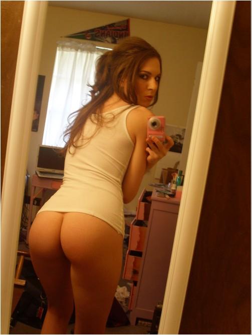 Откровенные селфи молодых голых студенток - секс порно фото