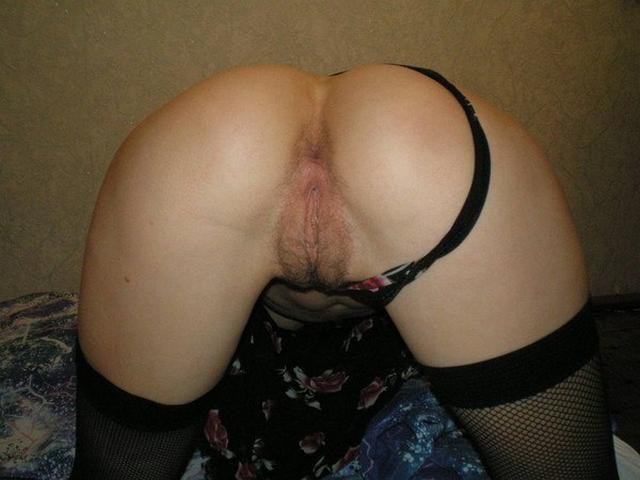 Отсосала и раздвинула очко для анального траха - секс порно фото