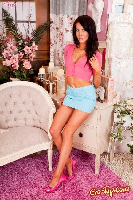 Megan Coxxx - смотреть фото эротической модели.