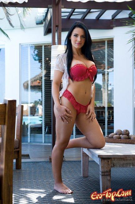 Thays Leao  Эротика. Смотреть фото красивых голых девушек бесплатно